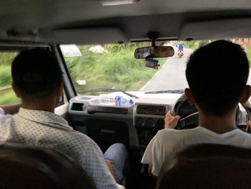 奇特旺骑大象受伤 自由行风险预防指南 尼泊尔第5天
